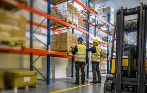 Reasons to Hire Warehousing Distribution Services